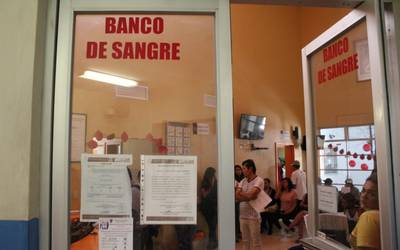 Comercializan sangre afuera de hospitales - El Occidental